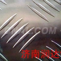 生产压花铝板
