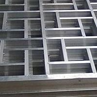街道镂空雕刻铝板花格-仿古烧焊铝窗花厂家