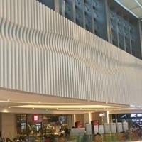 商场走道弧形铝方通_墙身造型铝方通