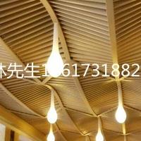 酒店木纹铝方通吊顶图片