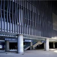 木纹铝方通,地下停车场条形U型木纹铝方通