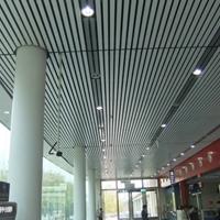 高铁站u型木纹铝方通
