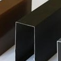 木纹铝方通,规格50100配黑色,超市木纹方通