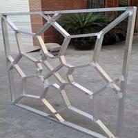 供应烤漆外墙铝窗花规格_木纹铝窗花安装