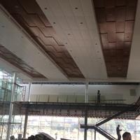 广汽本田4s店展厅木纹铝单板吊顶