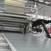新型PVC石塑复合地板临盆装备