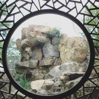 供应各种规格防腐铝栏杆,仿木色铝窗花。