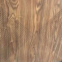 对角冲孔木纹色铝方板吊顶装潢