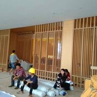 室内隔断木纹铝合金屏风_销售中心装饰屏风