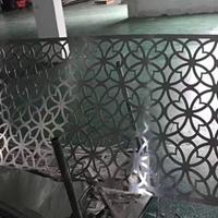 供应铝板雕刻镂空铝窗花_木纹外墙铝花格