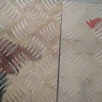 山东防滑铝板花纹铝板五条纹花纹板