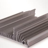 兴发铝业 优质机械设备散热器 价格电议