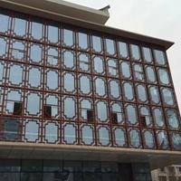 铝型材焊接窗花_餐厅装饰隔断木纹铝屏风