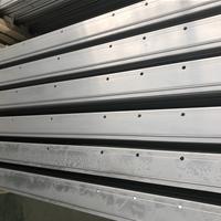 CNC精加工地铁门铝型材