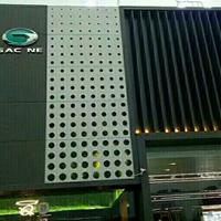 传祺新能源专营店幕墙装饰渐变孔铝单板