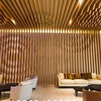 商务酒店通道型材木纹铝方管