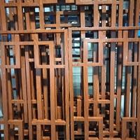 会议室木纹铝窗花隔断铝屏风-铝花格定制