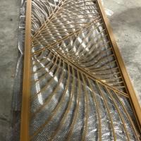 店面装修 铝窗花安装效果 批发铝合金窗花