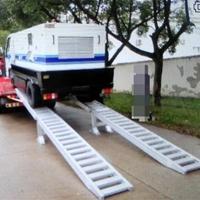 供应高强度工程车上下车铝合金坡道