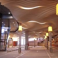 幕墙装饰木纹弧形铝方通_商城装饰弧形方通