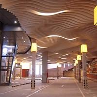 外墙装饰木纹弧形铝单板_幕墙弧形铝方通