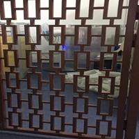 复古酒店仿古铝窗花屏风_中式铝窗花隔断