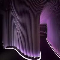 室内装饰木纹弧形铝方通_幕墙装饰造型方通