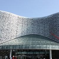 艺术中央雕花铝板 �a�_年夜剧院镂空雕花铝板