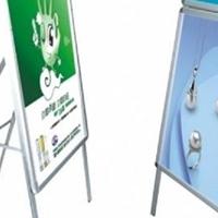 促销信息海报框易开启设计能随时更换画