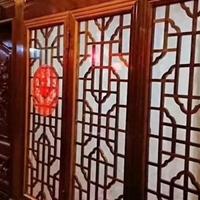 湘菜餐厅隔断竖格铝窗花'铝屏风'供应商家