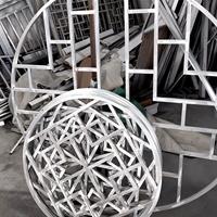 圓弧形狀仿古鋁花窗鋁屏風定做