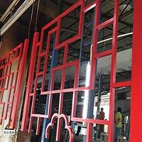 青海海东门楣铝窗花花格窗定制木纹铝窗花,铝屏风