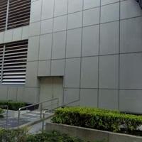 工厂供应工程队安装外墙装饰铝单板