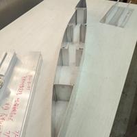 生产销售活动梭型百叶铝型材