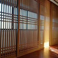 餐厅铝格栅屏风-木纹色铝合金格栅