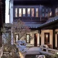 广州古镇老街木纹铝窗花生产