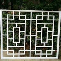 景区改造仿木纹铝花格窗生产实力厂家